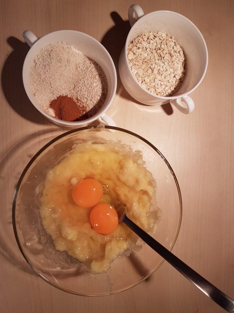 Mešanje sastojaka za zdrave palačinke