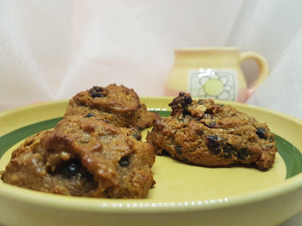 Musli kolačići u tanjiru