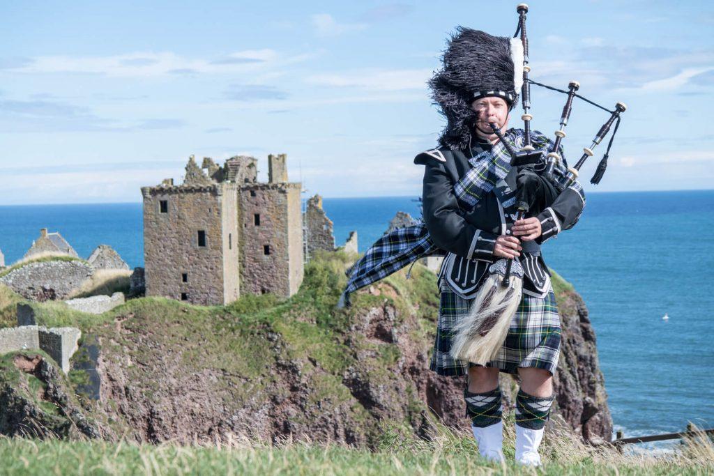 Škot u tradicionalnoj nošnji