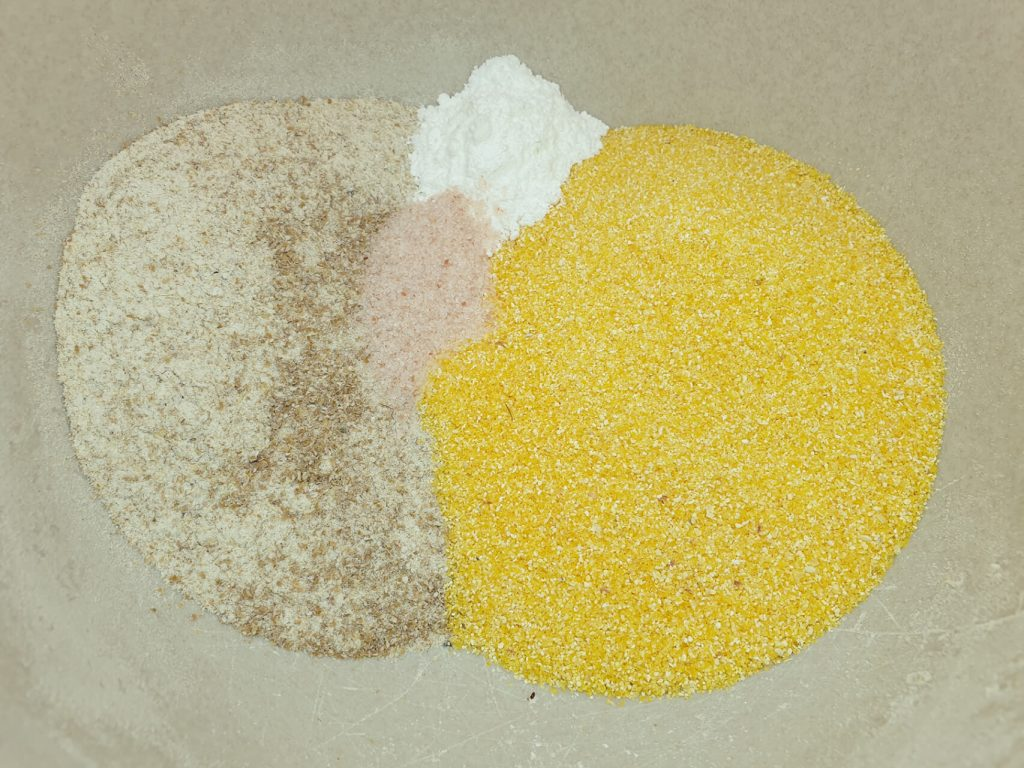 Sastojci za mediteranski kukuruzni hleb